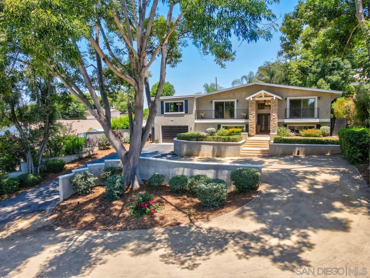 1454 Via Rancho Pkwy, Escondido, CA 92029