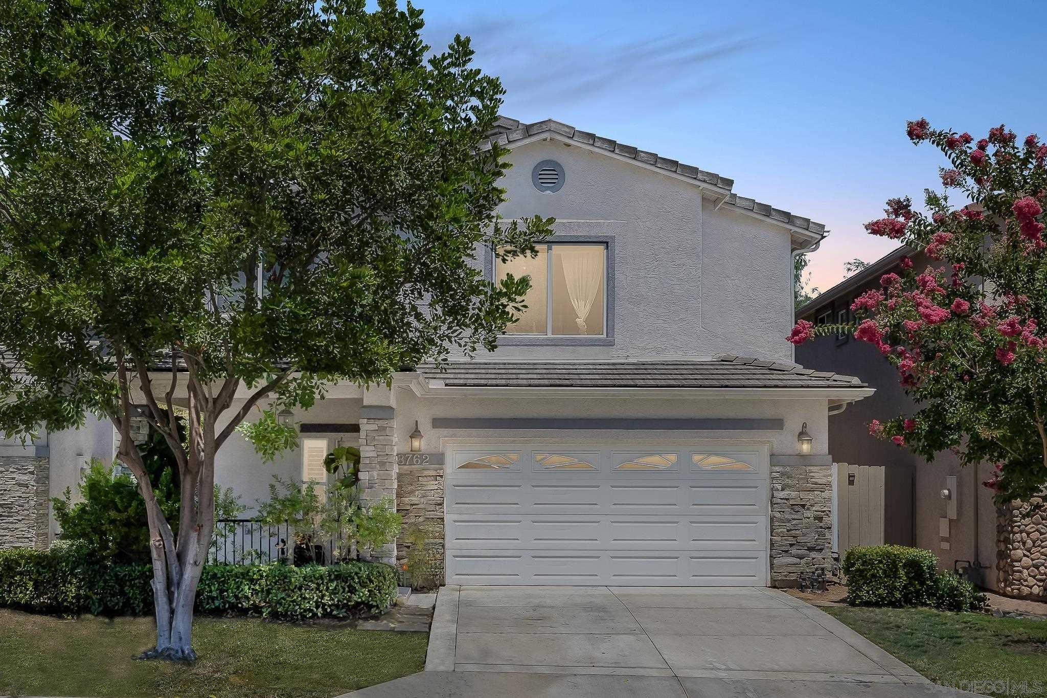 8762 Glen Vista Way, Santee, CA 92071