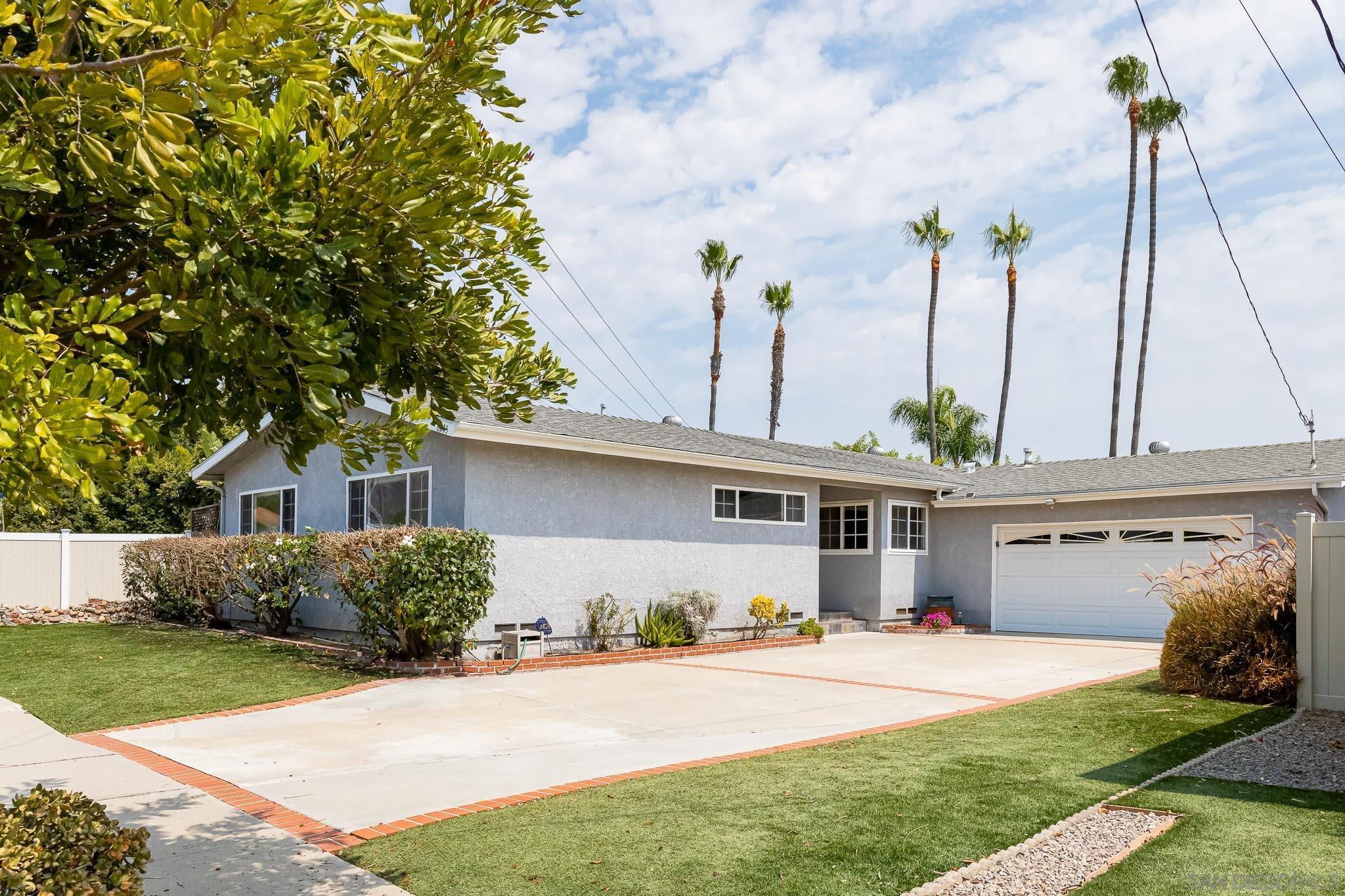 6235 Twin Lake Dr, La Mesa, CA 91942