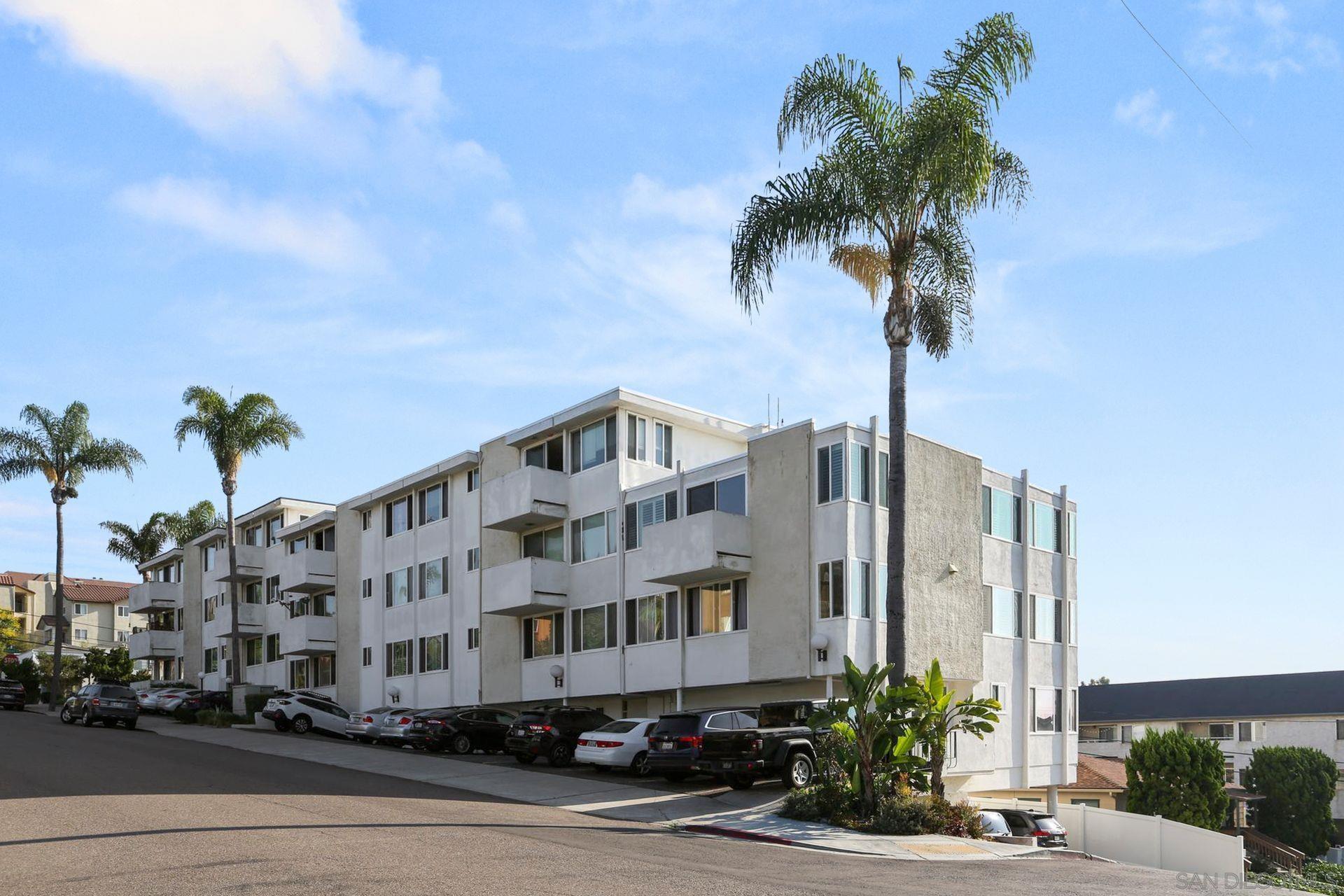 1907 Robinson Ave Unit 108, San Diego CA 92104