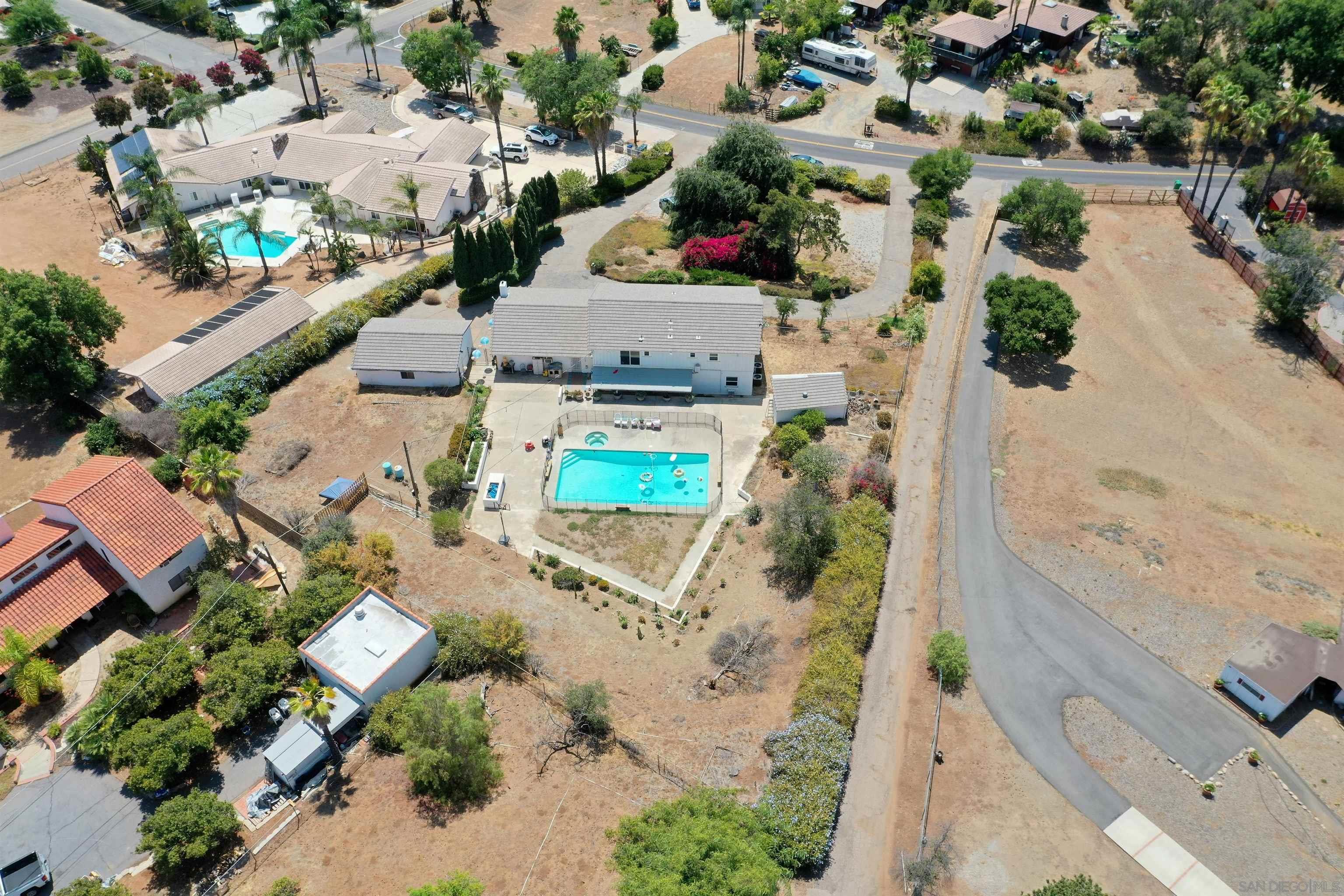 2276 Valley View Blvd, El Cajon, CA 92019