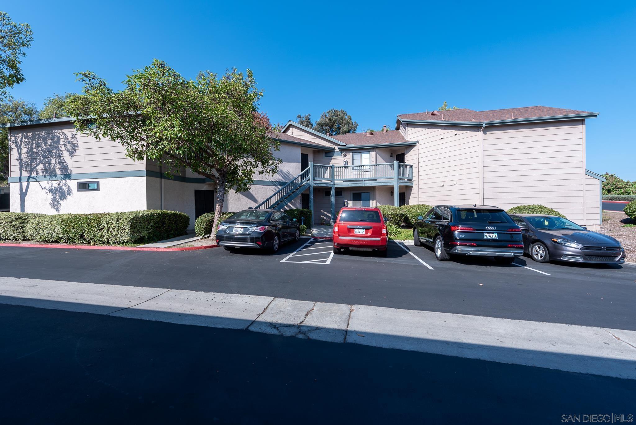3004 Blue Oak Ct, Spring Valley, CA 91978