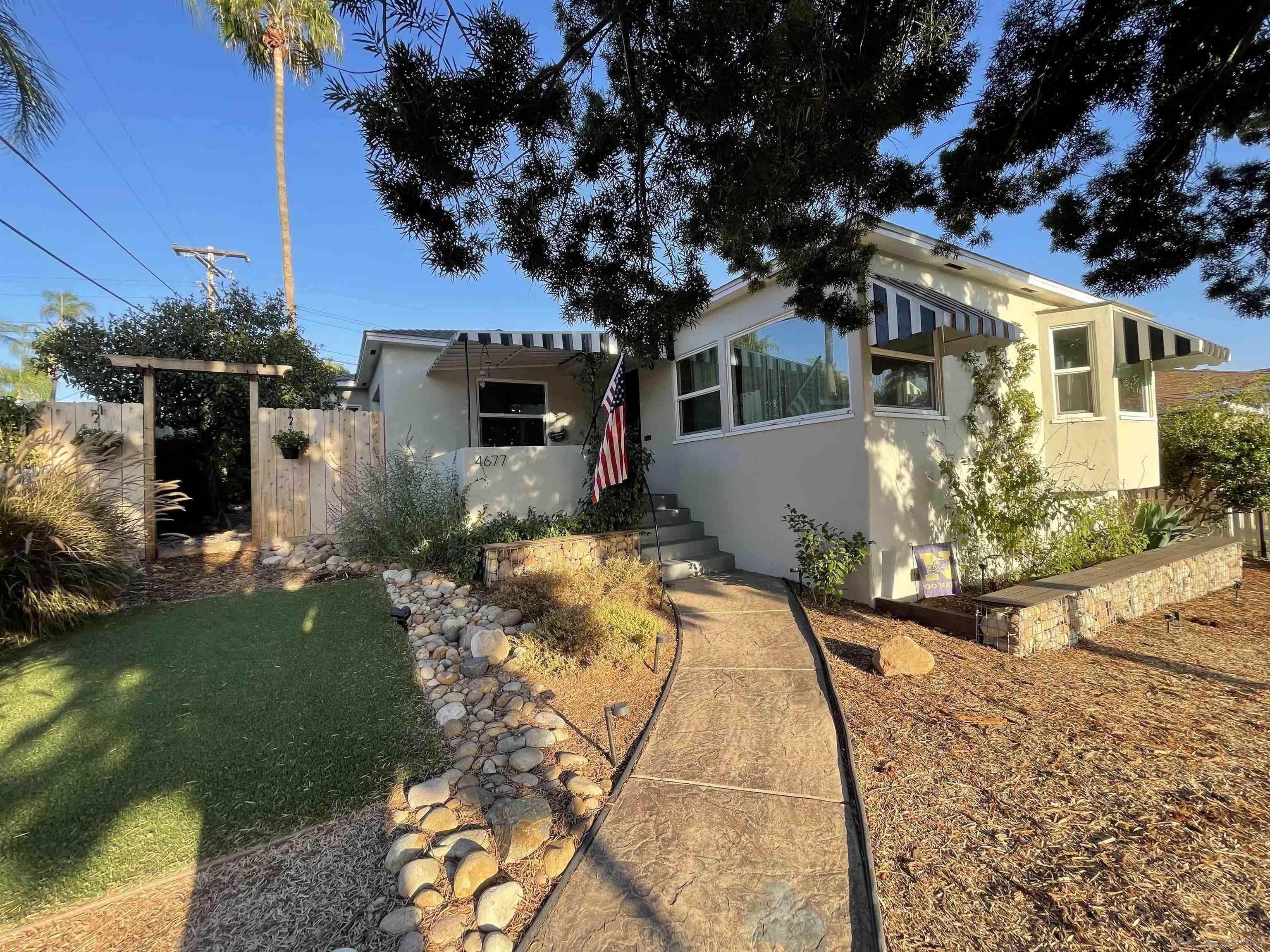 4677 Rolando Blvd, San Diego, CA 92115