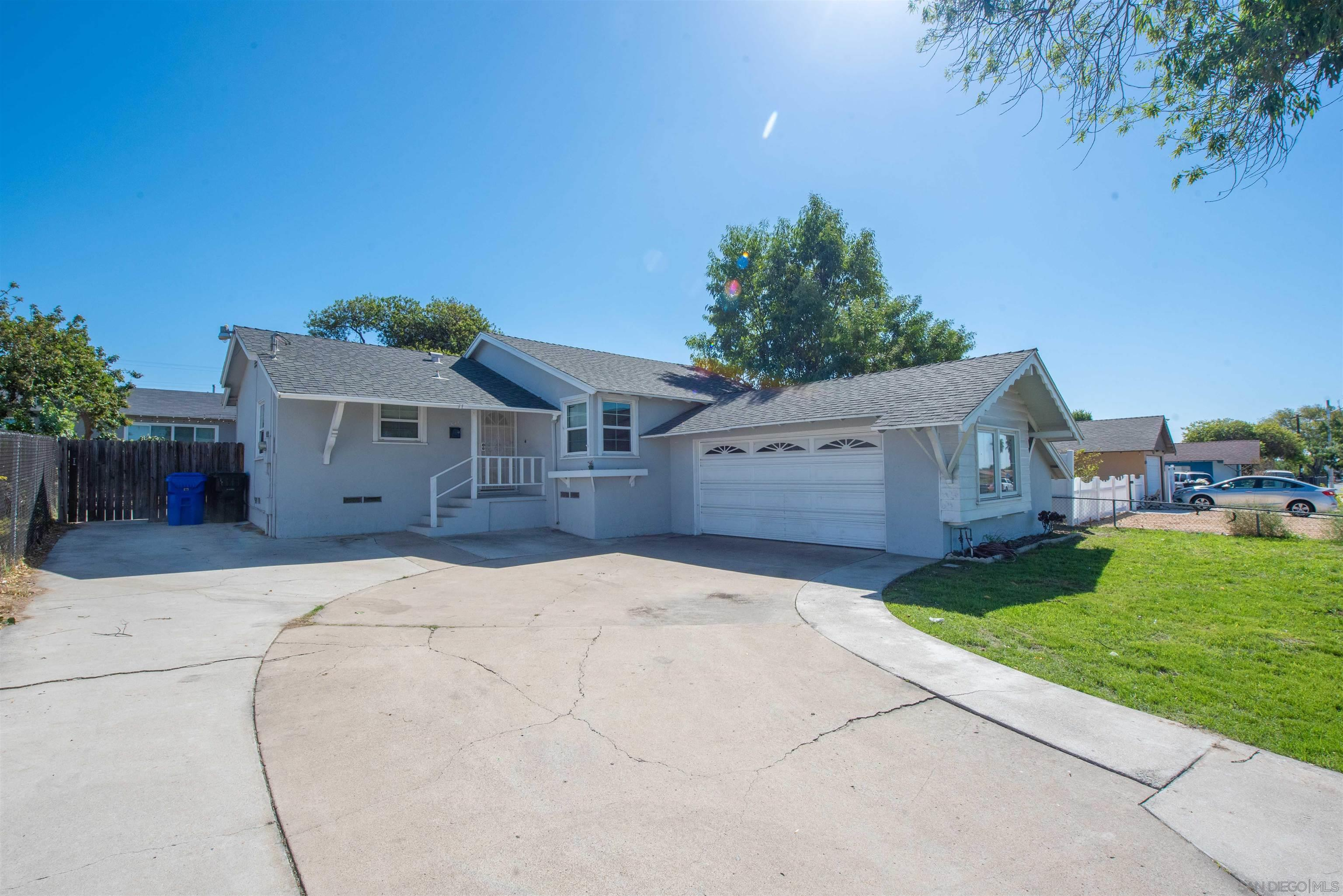 1045 Kelton Rd, San Diego CA 92114
