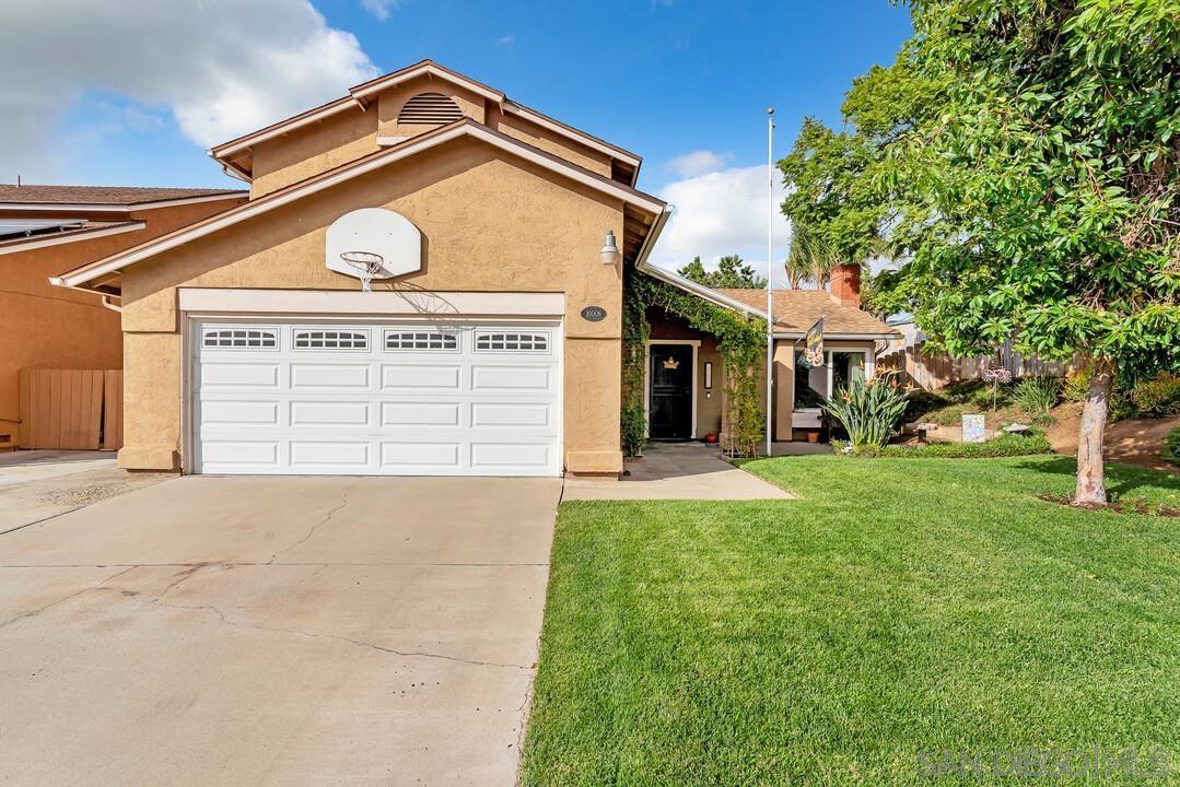 10006 E Glendon Cir, Santee, CA 92071