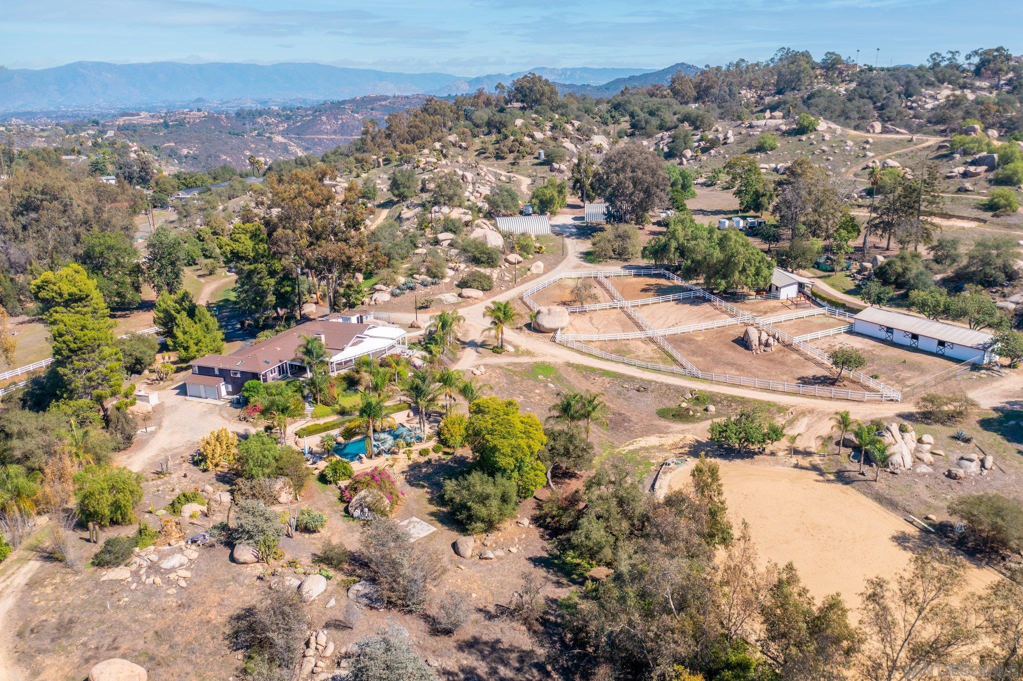 27253 Mountain Meadow Rd, Escondido, CA 92026
